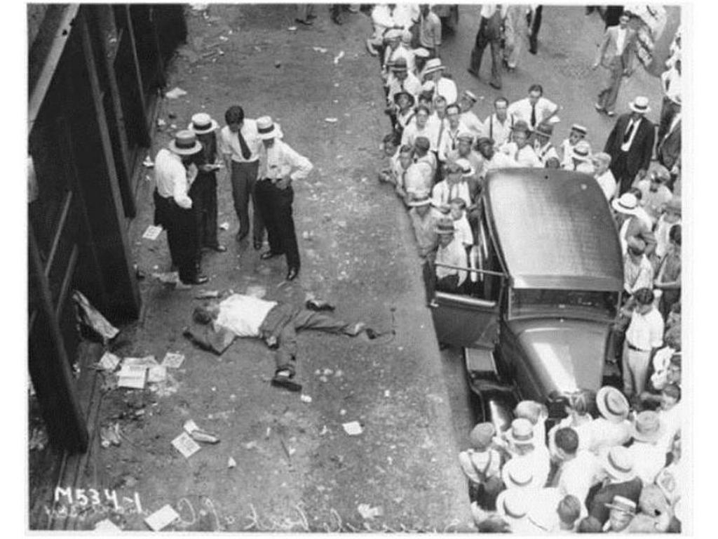1929_suicide_on_wall_street_during_the_great_crash.jpg