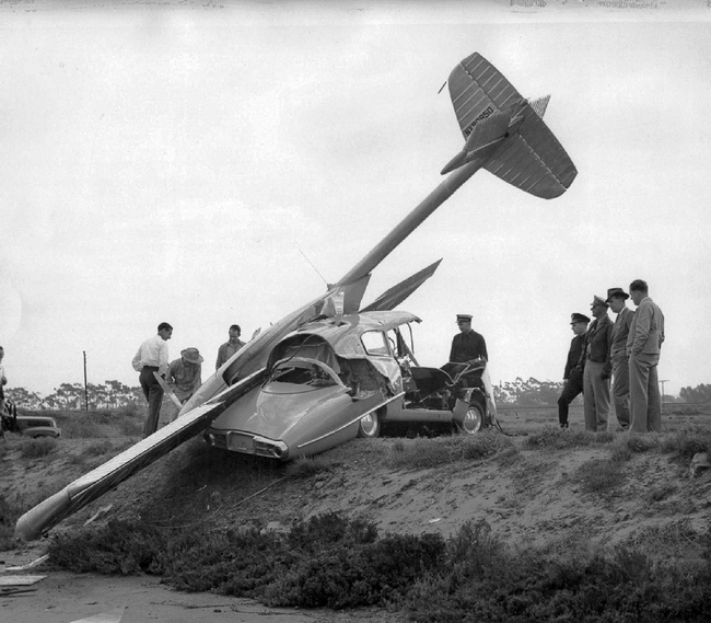 1947_the_wreckage_of_a_crashed_convair_model_118_it_made_a_forced_landing_in_national_city_california.jpg