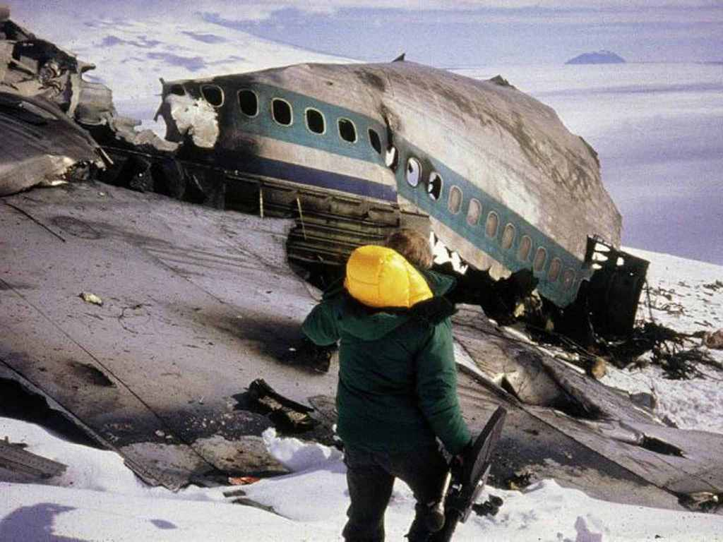 1979_wreckage_of_air_new_zealand_flight_901_on_the_flank_of_mount_erebus_antarctica.jpg