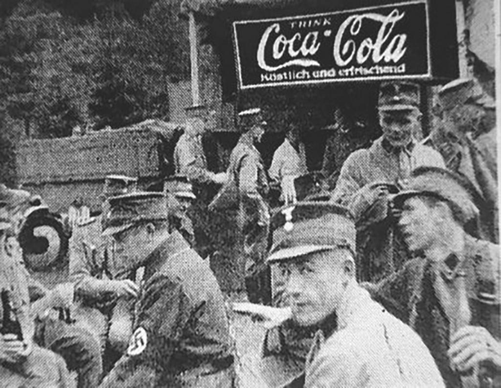 1930-as_evek_nemet_birodalmi_sa-tagok_kolaznak.png