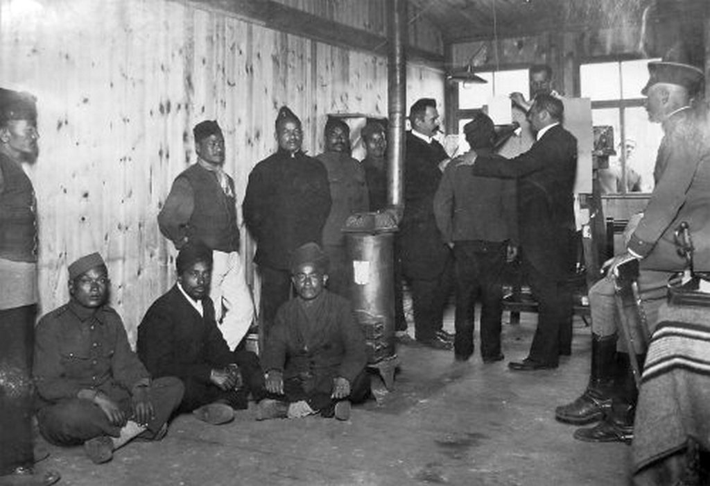 1917_nepali_gurka_katonak_nemet_hadifogsagban_berlinben.jpg