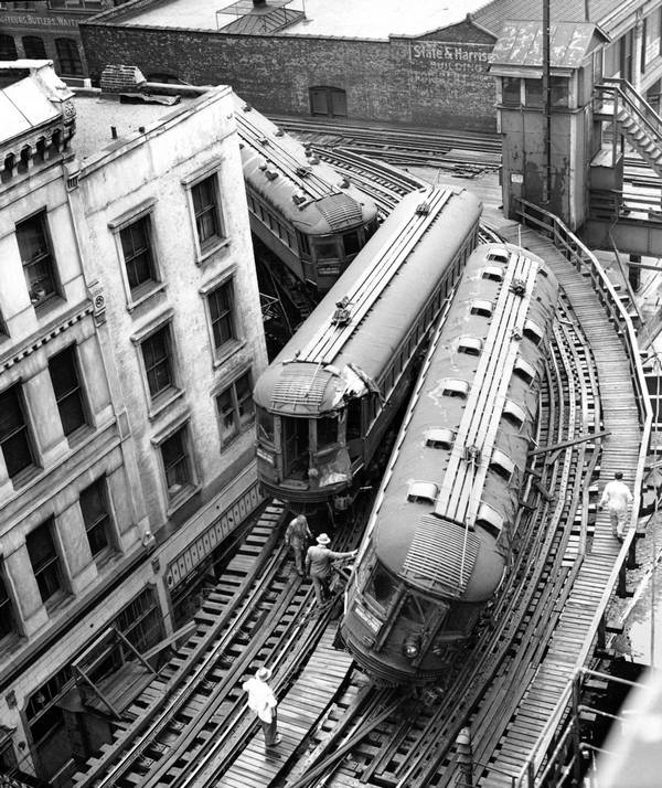 1953_magasvasut_balesete_chicago-ban.jpg