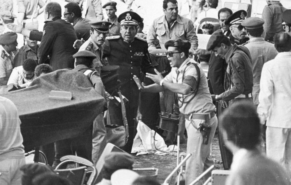 1981_az_egyiptomi_elnok_szadat_ellen_elkovetett_merenylet_utani_percek.jpeg