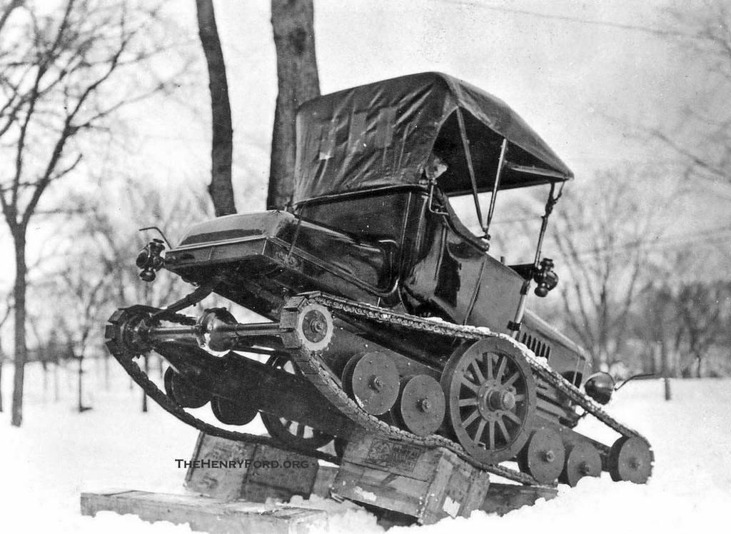 1918_lanctalpassa_alakitott_gyari_kiserleti_ford_t-modell.jpg