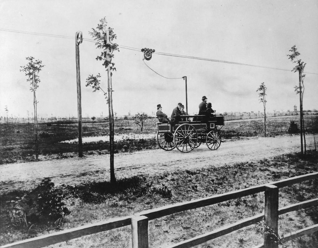 1882_siemens-halske_trolibusz_prototipus_berlin_kozeleben.jpg