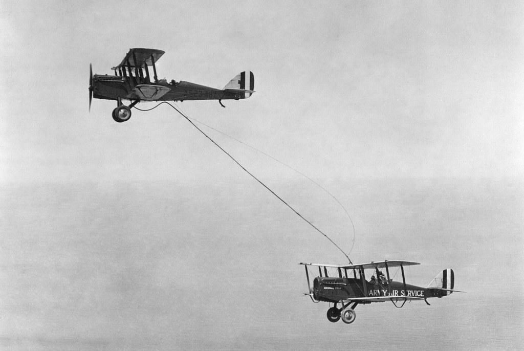 1923_junius_27_az_elso_sikeres_legi_tankolas_a_vilagon.jpg