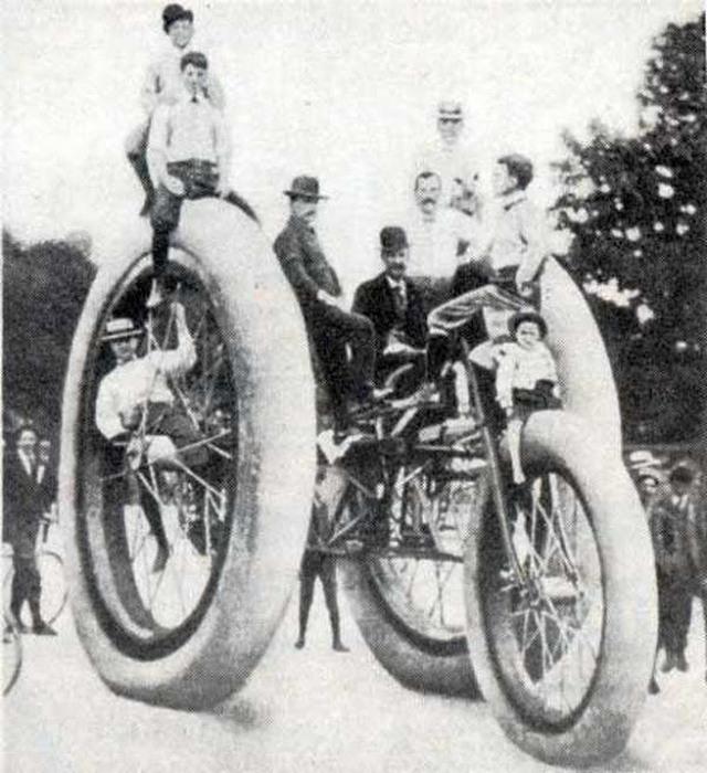 1898_a_boston_woven_tomlo-_es_gumigyar_promocios_triciklije.jpg