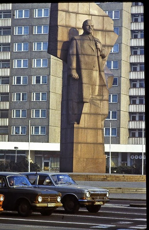 1982_kelet-berlini_utcakep.jpg