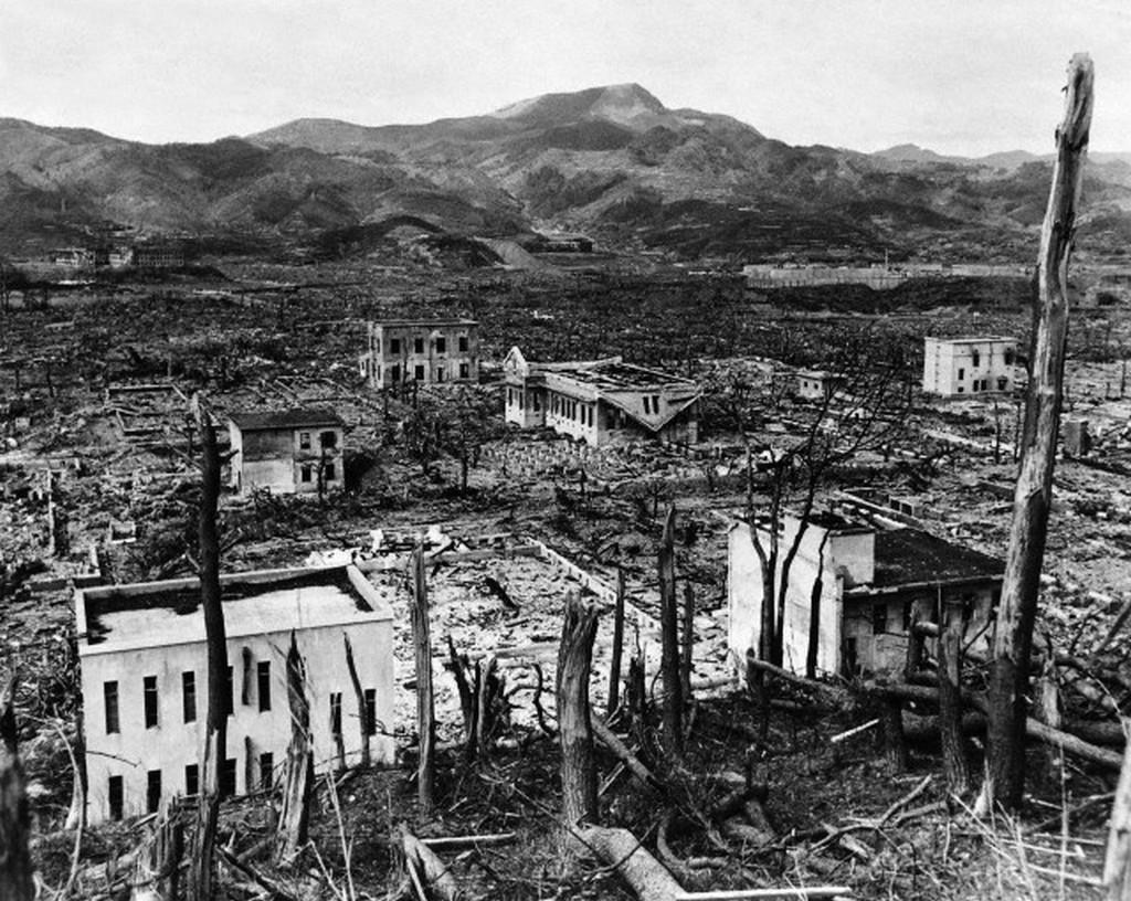 1945_augusztus_nagaszaki_az_atombomba_robbanasa_utan.jpg