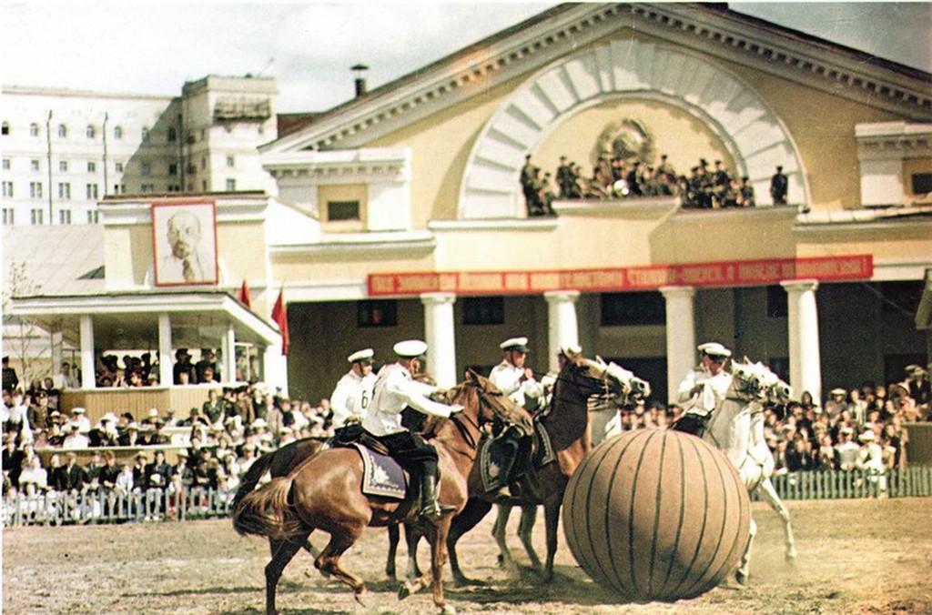1952_lovas_pushball-merkozes_moszkvaban_a_frunze_manezsban.jpeg