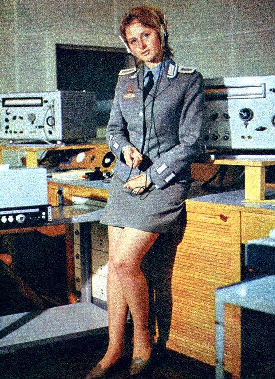1980-s_evek_ndk_hirados_katonalany_propagandafotoja.jpg