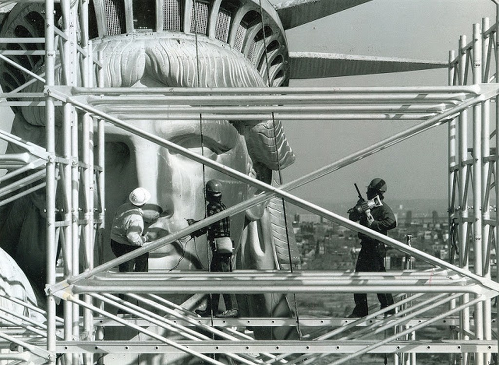 1984_a_new_york-i_szabadsagszobor_rekonstrukcios_munkai.jpg