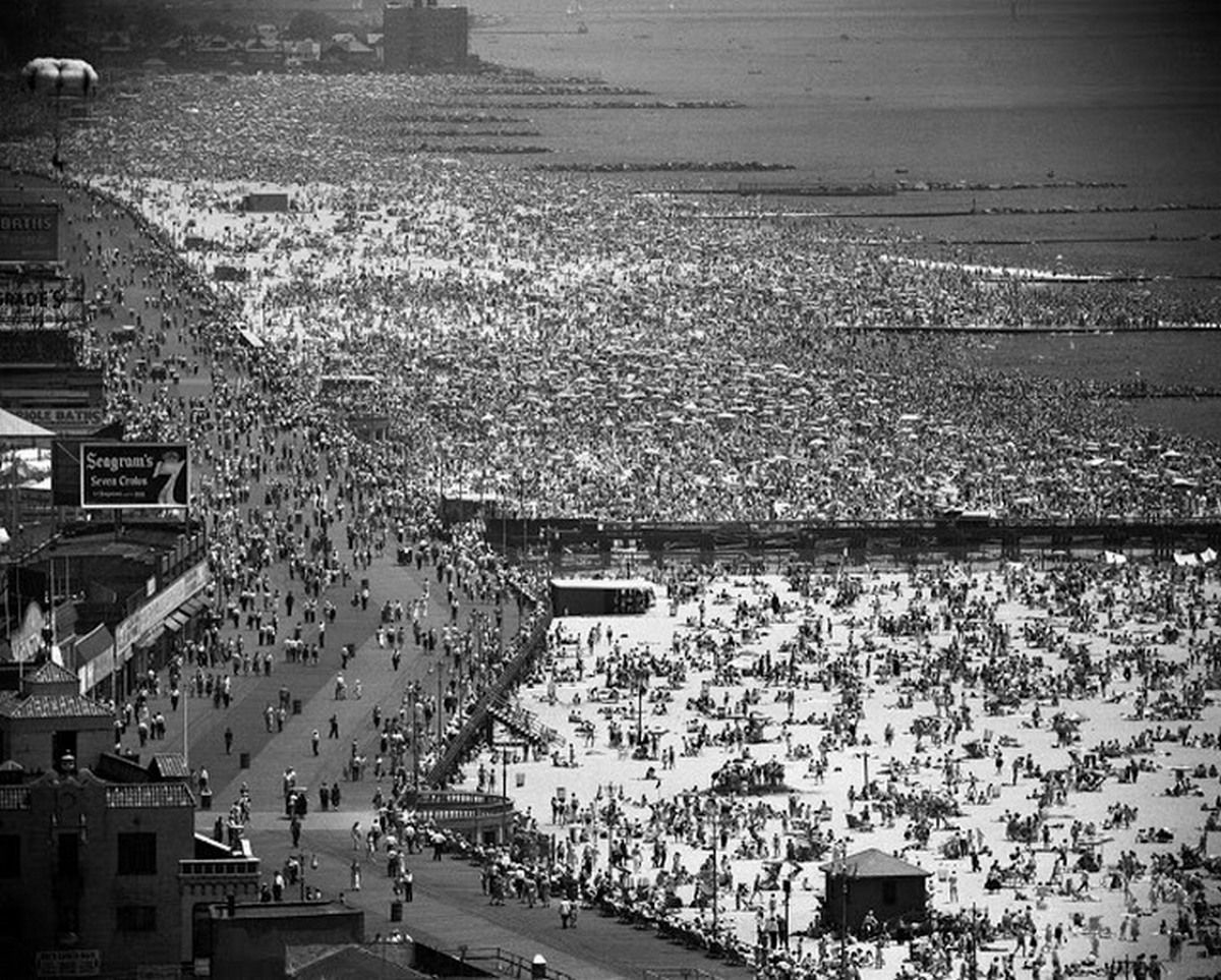 1949_coney_island_new_york.jpg