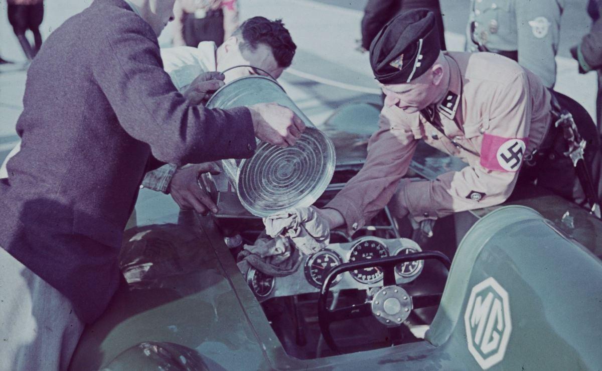1939_szarazfoldi_sebessegrekord-kiserlet_a_naci_nemetorszagban_egy_brit_mg_autoval2.jpg