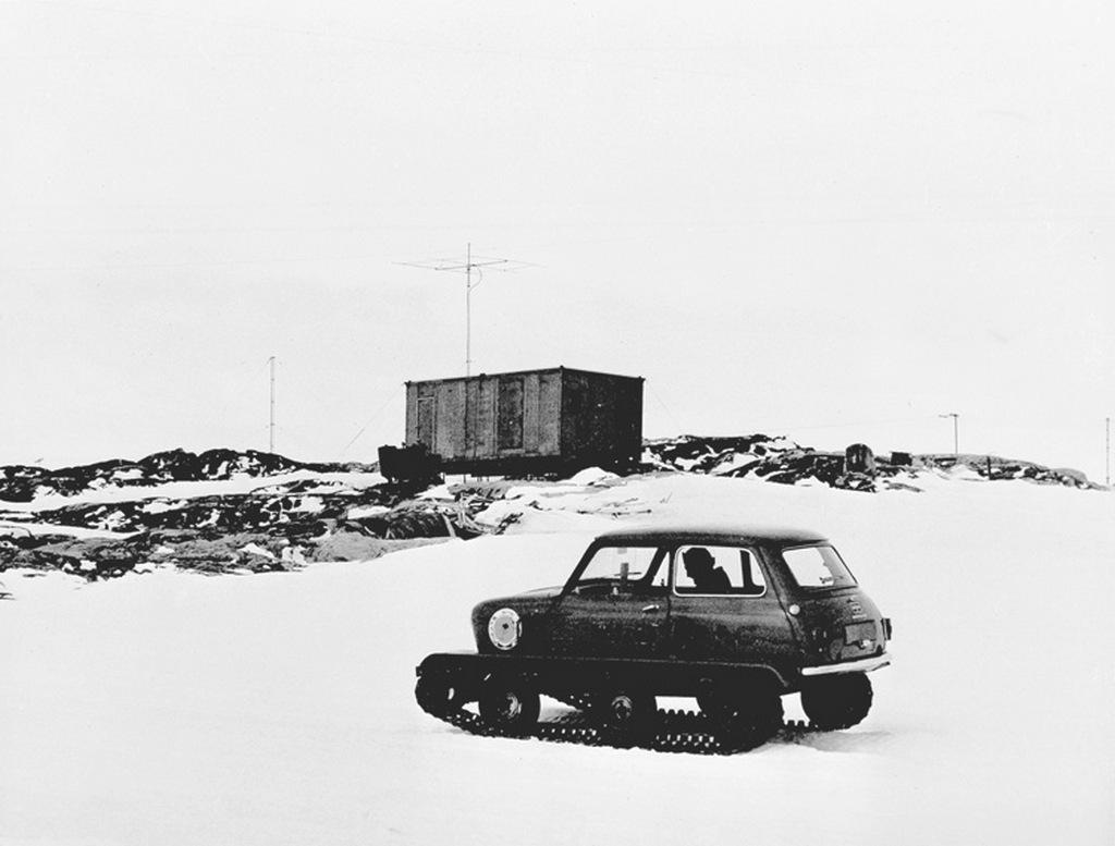 1965_egy_mini_az_antarktiszon_egyik_ausztral_vagy_uj-zelandi_bazison_hasznaltak.jpg