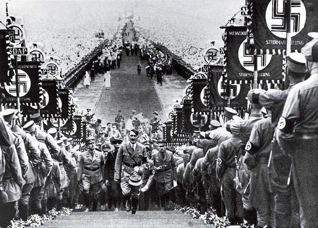 1934_birodalmi_nemet_tomeggyules.jpg