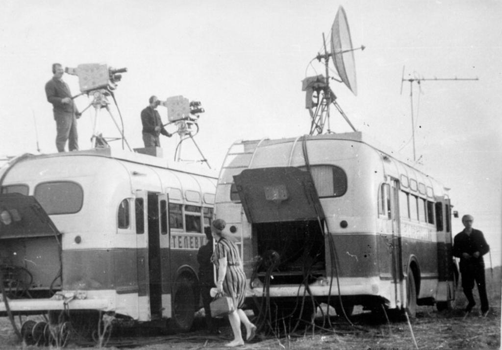 1958_mobil_kozvetitokocsik_a_szovjetunioban_egy-egy_buszhoz_csaknem_hatvanfonyi_muszaki_legenyseg_tartozott.jpeg