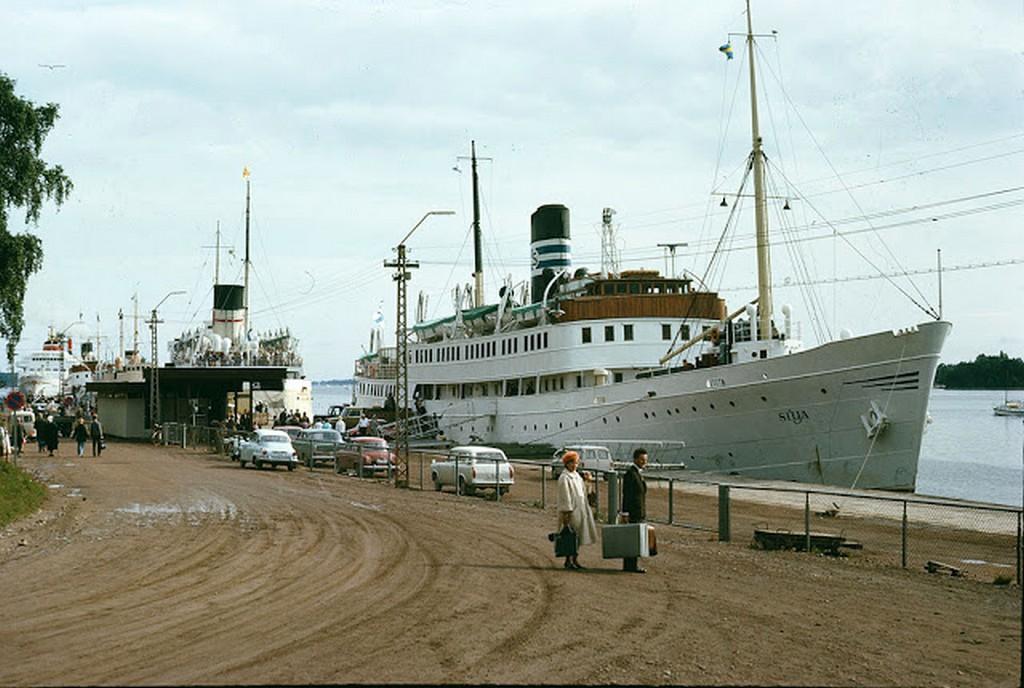 1966_ship_in_mariehamn_aland.jpg