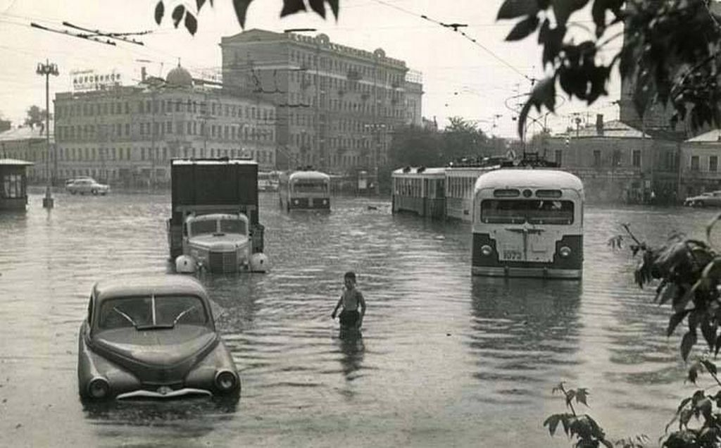 1960_arviz_moszkvaban.jpg