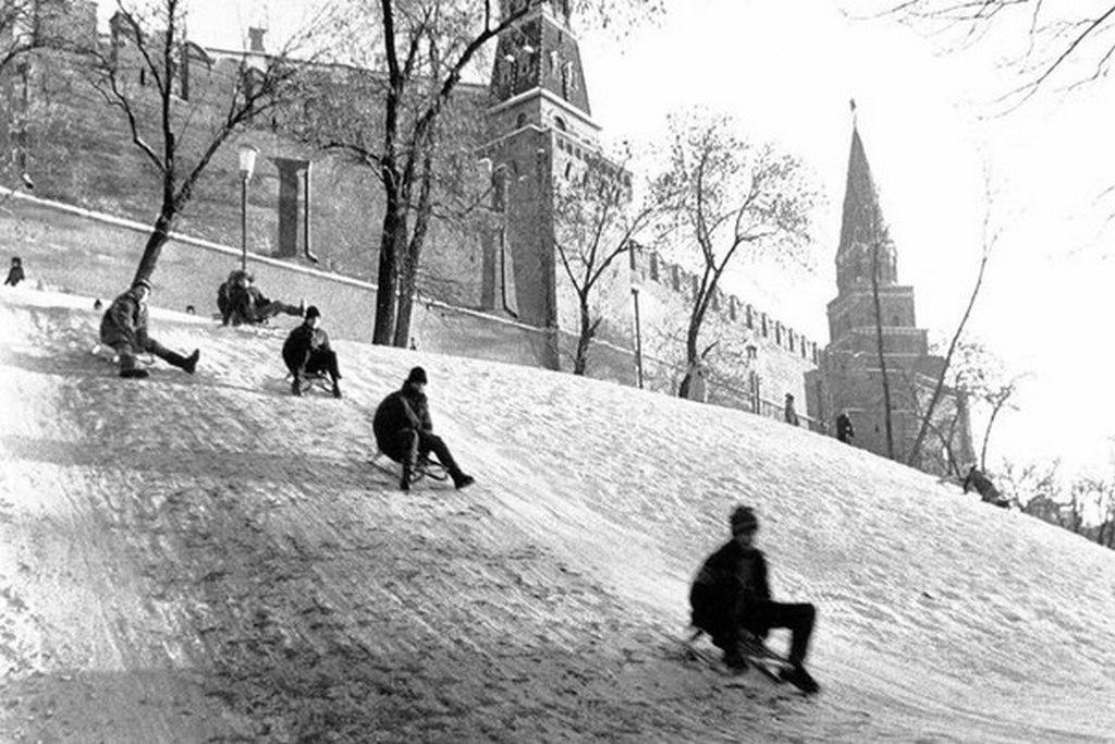 1989_szankodomb_a_kreml_falainal.jpg