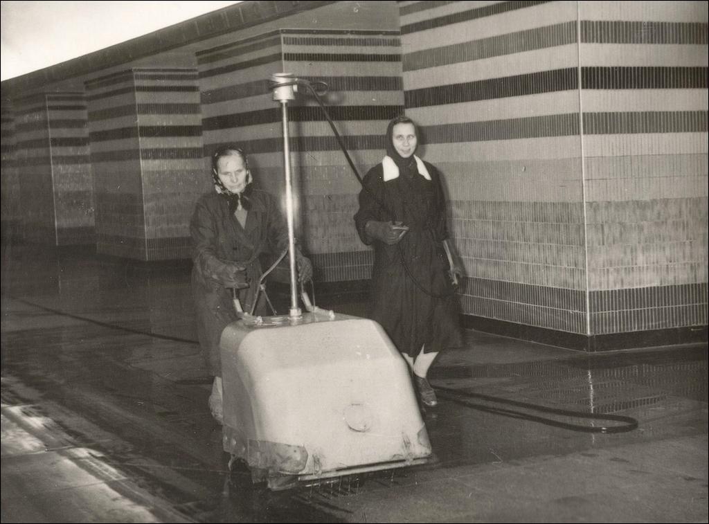 1963_mosas_padlok_az_allomason_shulyavska_kijev_metro_1960_a_szovjetunio.png