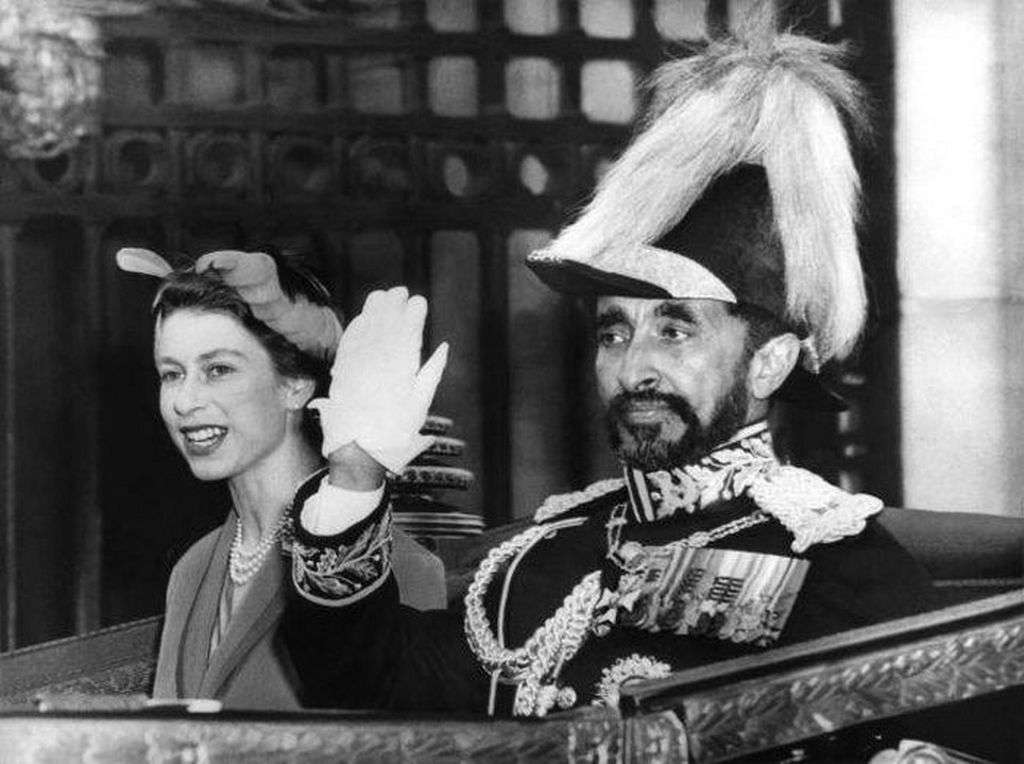 1958_haile_selassie_emperor_of_ethiopia_and_queen_elizabeth.jpg
