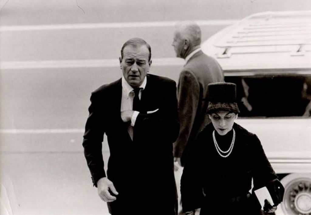 1961_john_wayne_attending_his_friend_gary_cooper_s_funeral.jpg