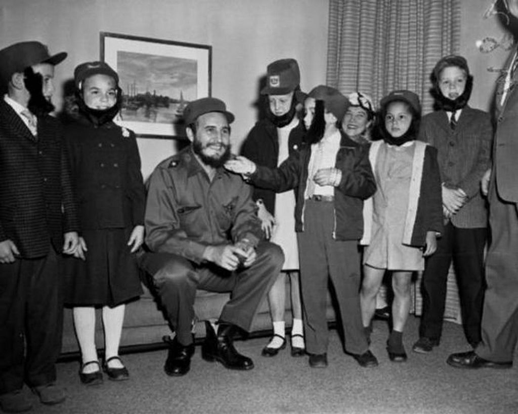 1970_fidel_castro_with_children_all_wearing_fake_beards_to_poke_fun_at_the_dictator.jpg