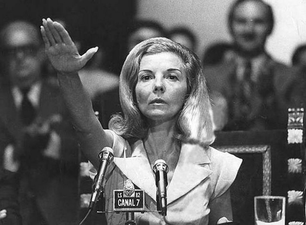 1974_isabel_martinez_de_peron_former_president_of_argentina_and_the_first_female_president_of_any_country_in_the_world_appearing_to_be_doing_the_nazi_salute.jpg