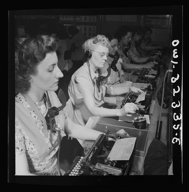 1943_a_western_union_telefonos_taviratkuldo_reszlege.jpg