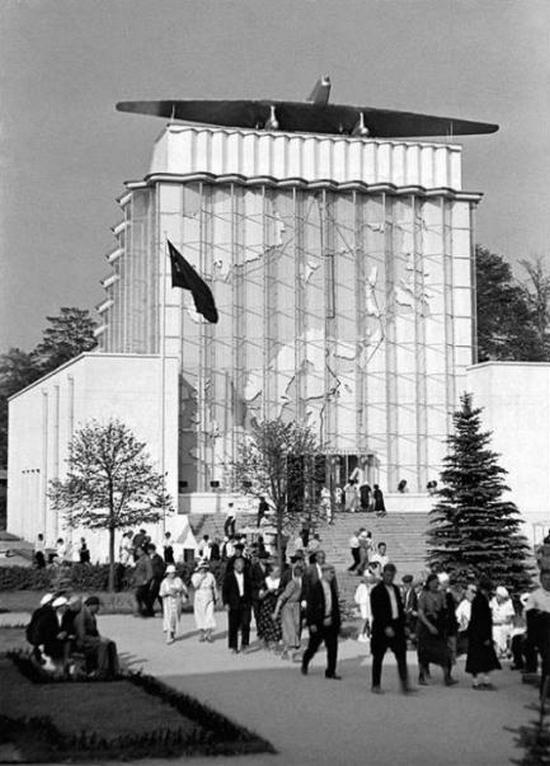1939_pavilon_szovjet_arctic_a_mezogazdasagi_kiallitas_1939_moszkva_1941-ben_leegett.jpeg