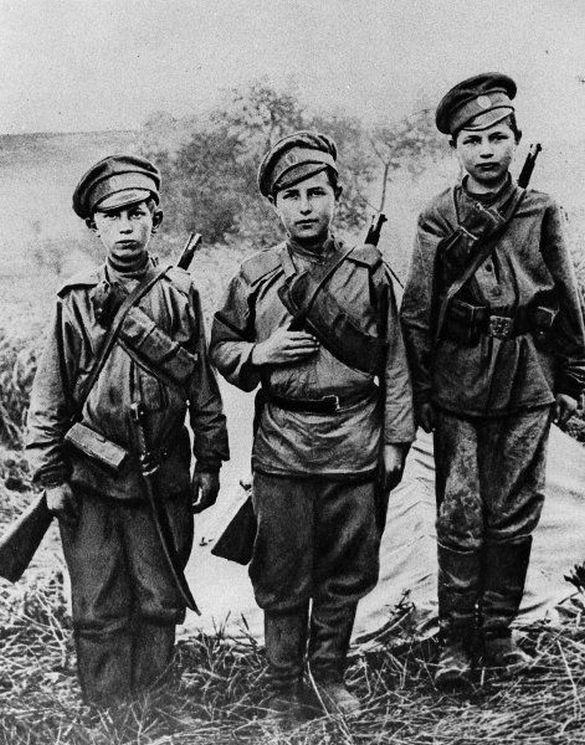 1917_orosz_gyerekkatonak_az_elso_vilaghaboruban.jpg