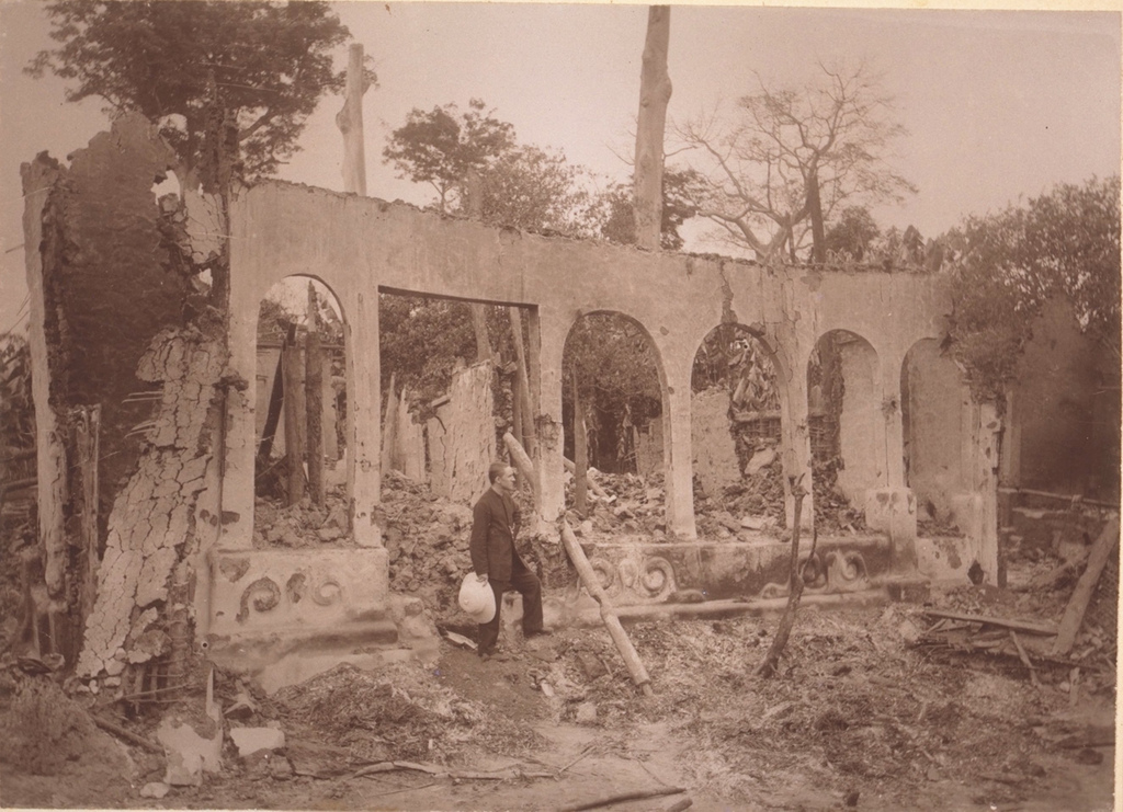 1888_bantama_mausoleum_was_destroyed_by_the_british.jpg