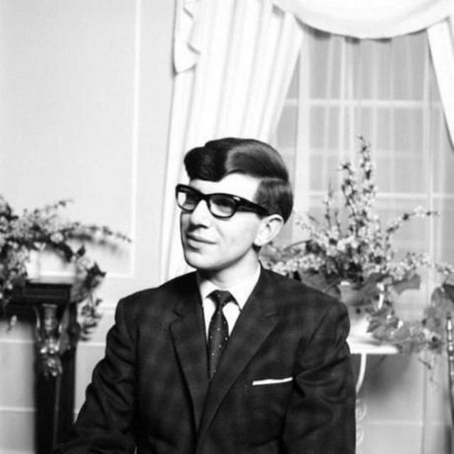 1962_stephen_hawking.jpg