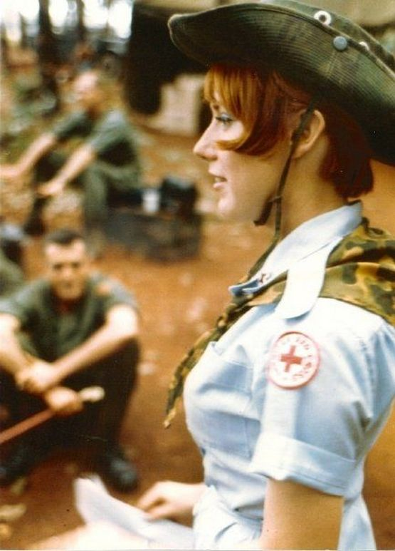 1970_us_army_nurse_janet_small_woods_vietnam.jpg