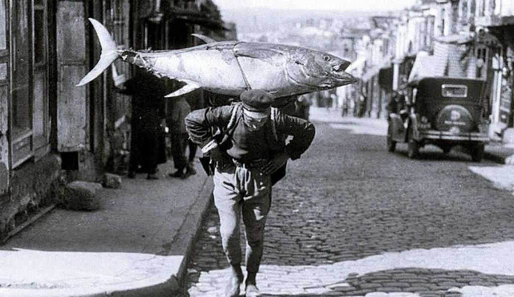 1930_a_fisherman_in_istanbul.jpg