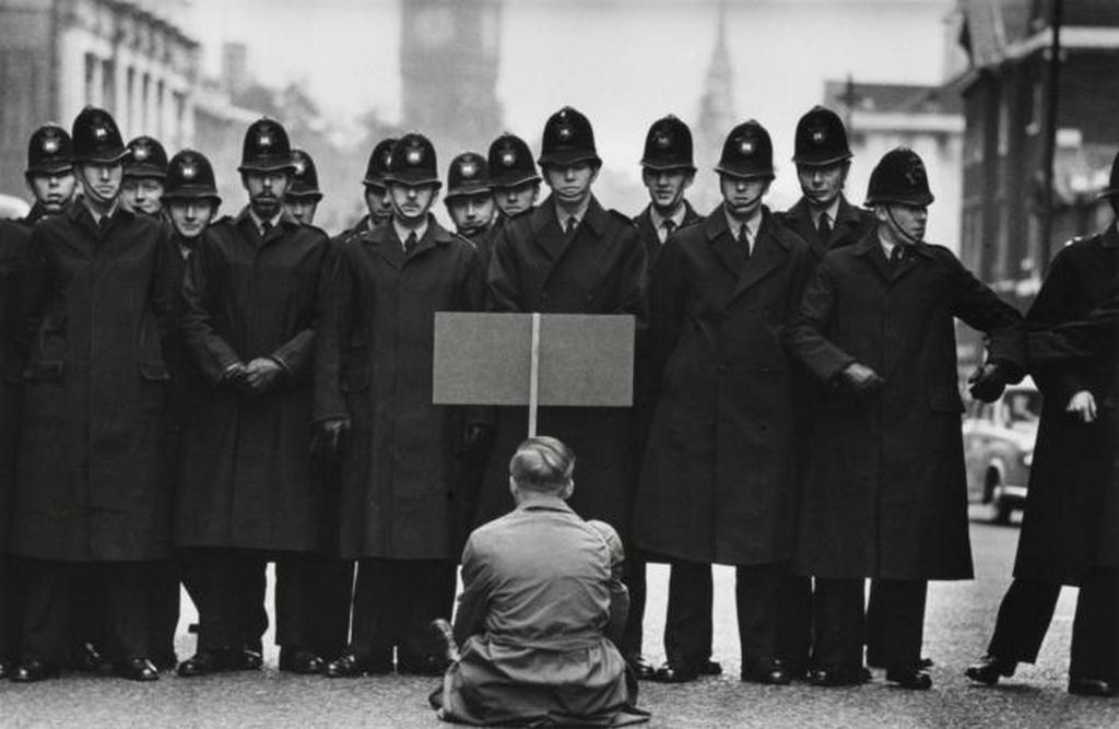 1962_haboruellenes_tiltakozas_londonban.jpeg