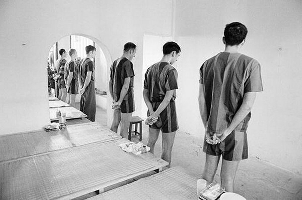 1973_amerikai_hadifoglyok_us_air_force_harci_pilotak_a_hoalo_bortonben_hanoi_eszak-vietnam.jpg