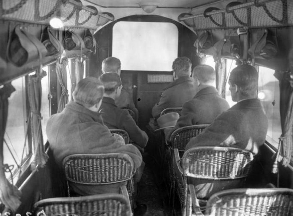 1925_filmvetitest_repulogepen_1925-ben_nagy-britanniaban.jpeg