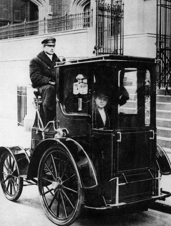 1910_taxi_new_york_city.jpg