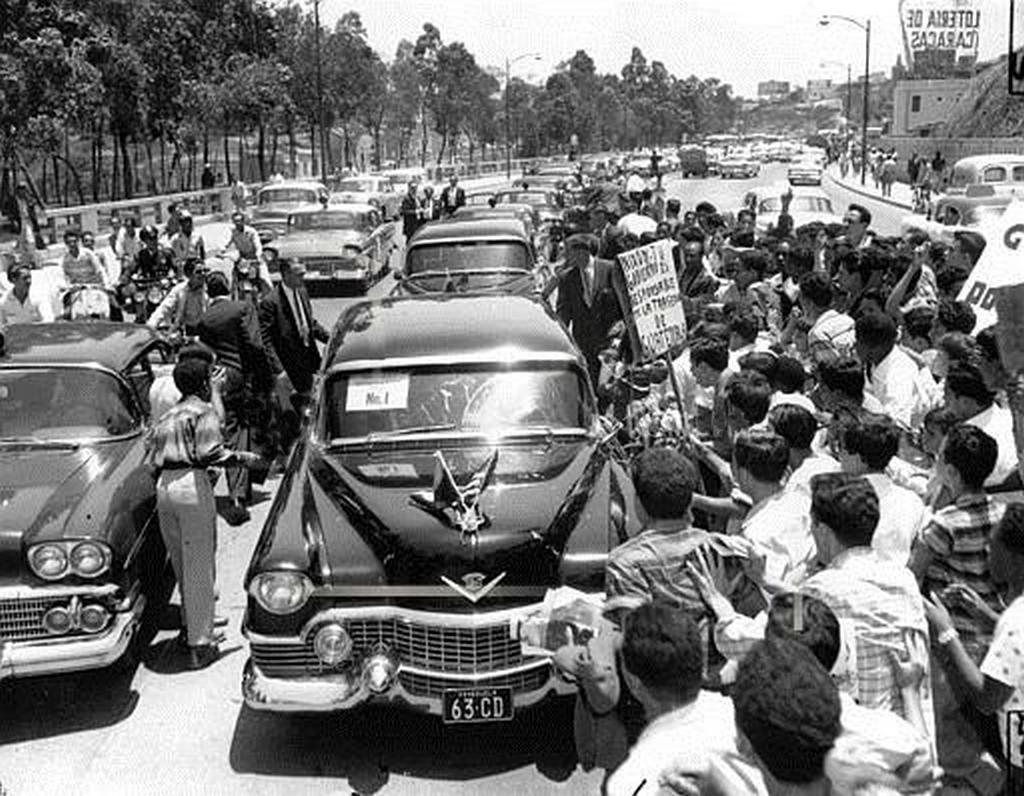 1958_nixon_attacked_by_mob_in_venezuela.jpg