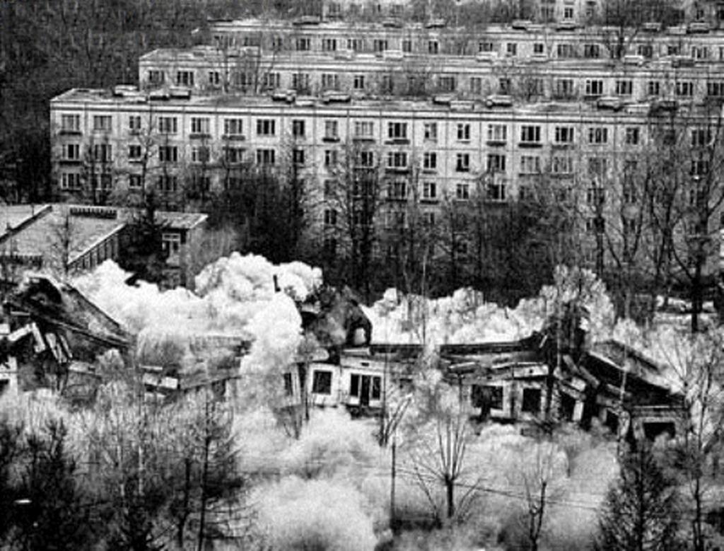 1993_hruscsovka_bontasa_moszkvaban.jpeg