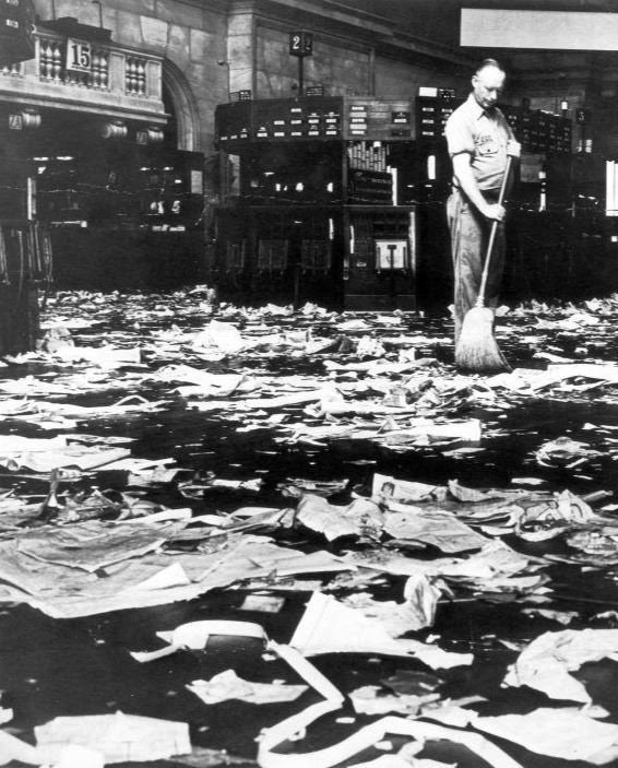 1929_a_janitor_sweeps_the_floor_of_new_york_stock_exchange_following_the_wall_street_crash.jpg