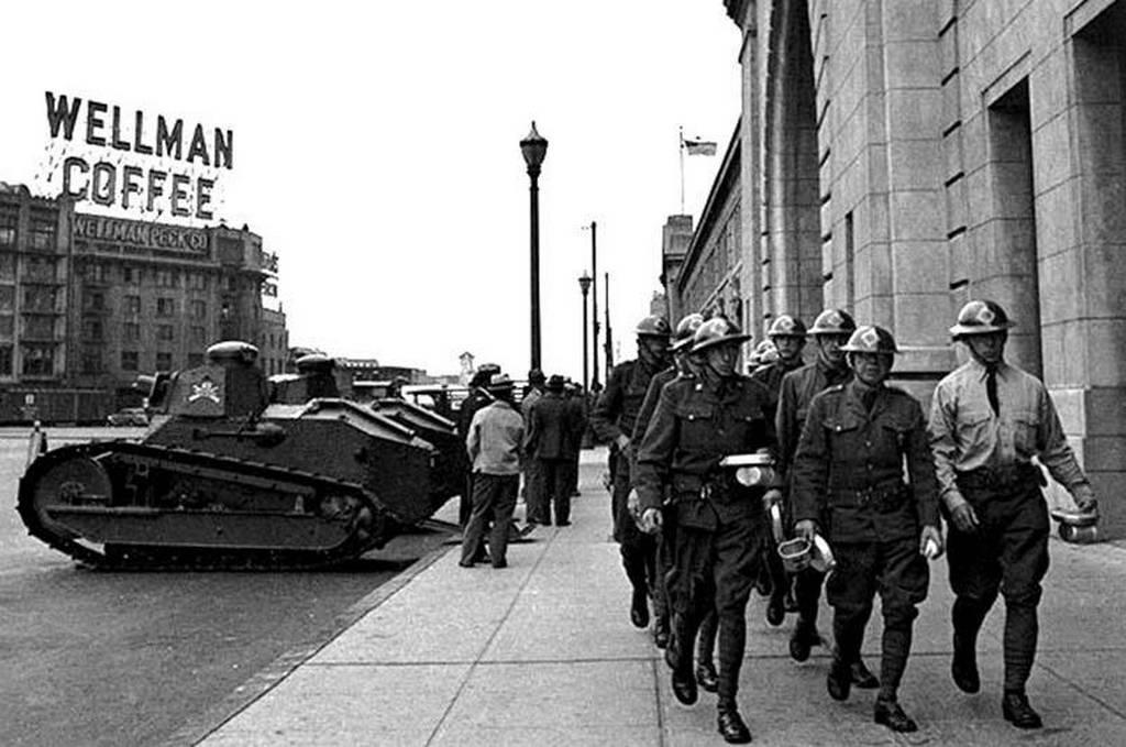 1934_a_m1917-es_tankok_a_san_francisco_streeten_a_west_coast_strikes_strike_1934-ben_az_usa-ban.jpeg