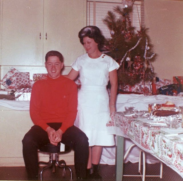 1963_bill_clinton_and_his_mother_virginia_clinton_at_a_christmas_party.jpg