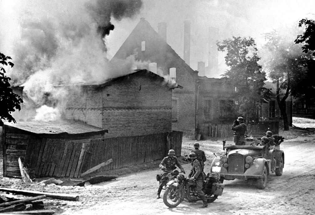 1944_torun_poland.jpg