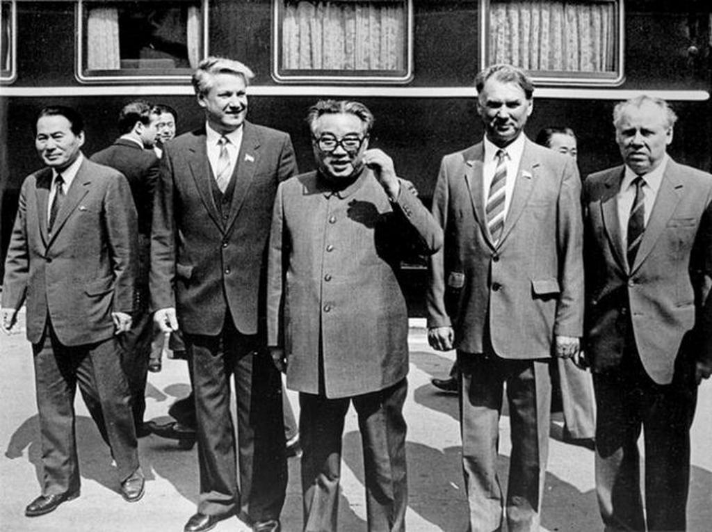 1984_kim_ir_szen_eszak-koreai_vezetot_szverdlovszkban_borisz_jelcin_az_akkori_teruleti_partbizottsag_vezetoje_fogadja_a_szovjetunioban.jpeg