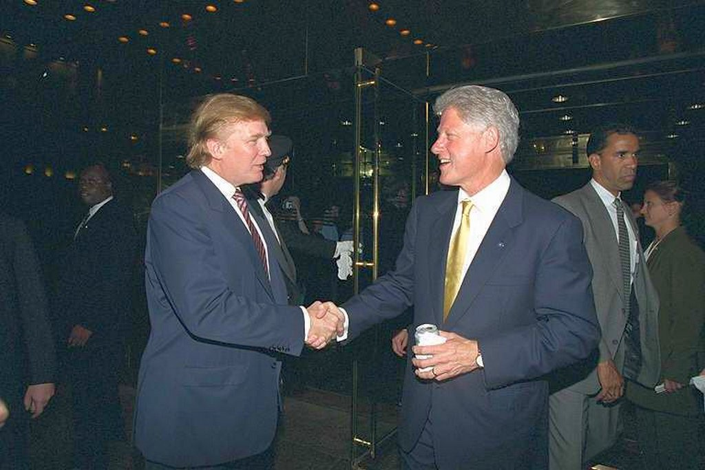 2000_bill_clinton_shaking_hands_with_donald_trump.jpg