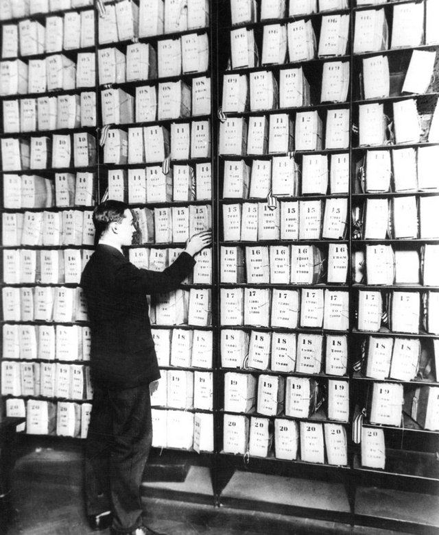 1900s_before_computers_the_finger_print_or_record_room_in_the_famous_scotland_yard_england_cr.jpg