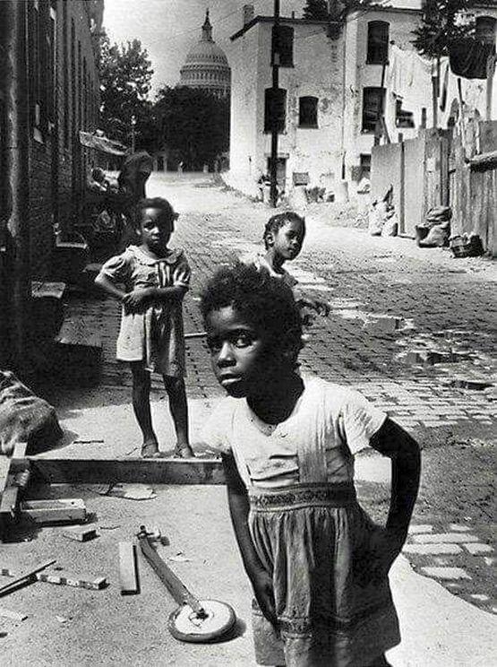 1946_dc_slum.jpg